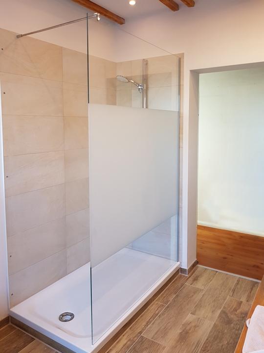 Glasduschen und glas im badezimmer glaserei schreer gmbh neus - Glas im badezimmer ...